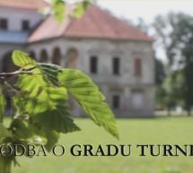 Študentka posnela film o zapuščenem gradu