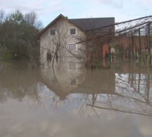 Rdeči križ in Karitas pomagata po poplavah