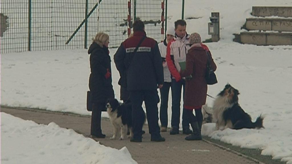 Preverjali privezanost psov in pobiranje pasjih iztrebkov