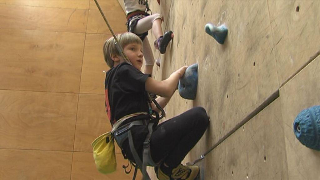 Slovenski plezalni upi tekmovali na Ptuju