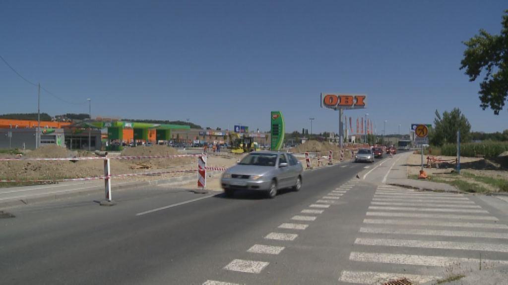 Gradnja novega krožišča na Puhovi cesti