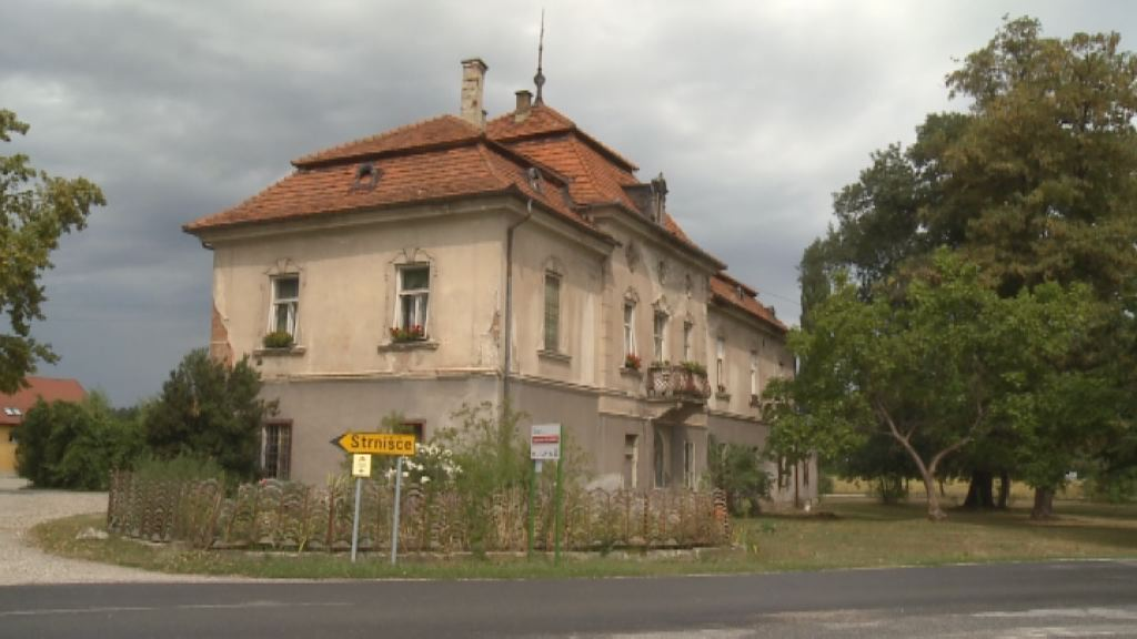 Obnova dvorca Sternthal