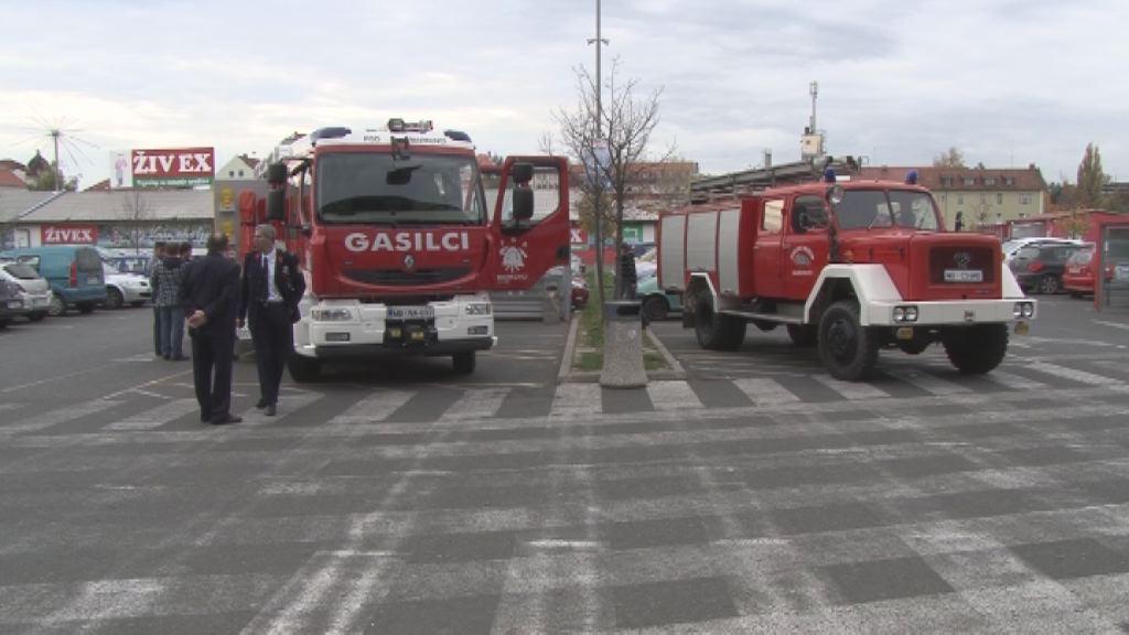 gasilci pred Qlandio
