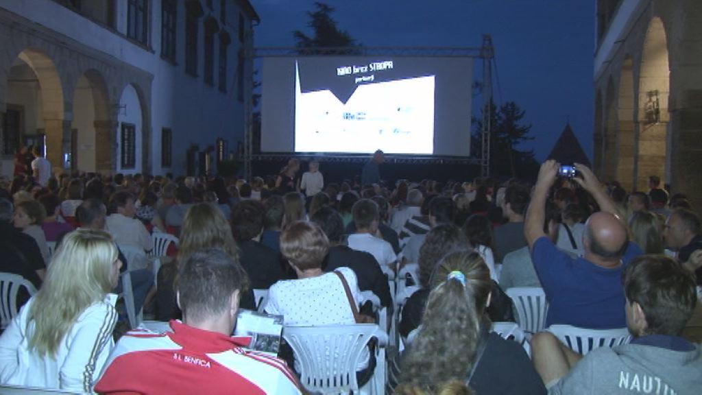 Kino brez stropa - uvodni del