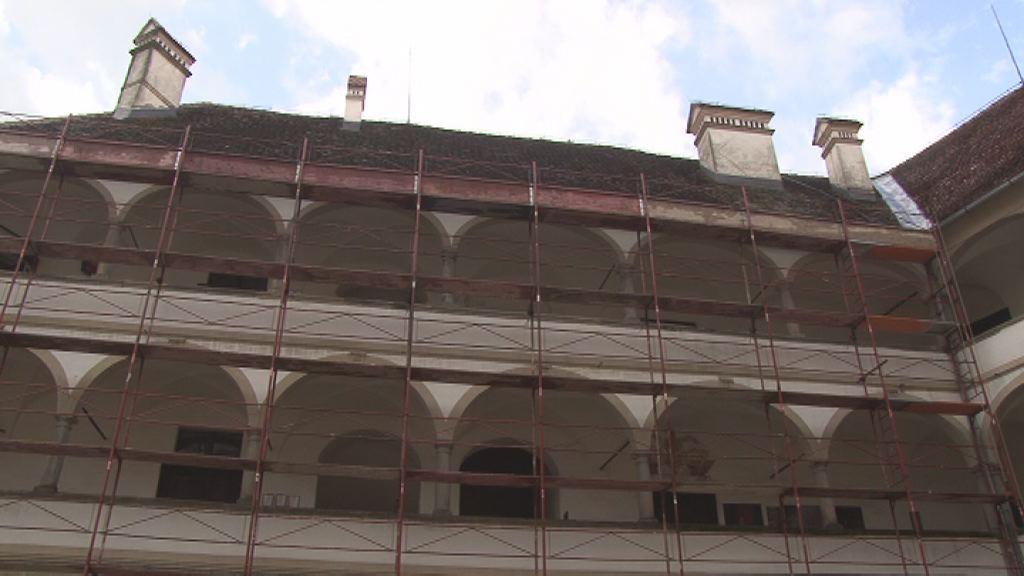 Obnova strehe na ptujskem gradu