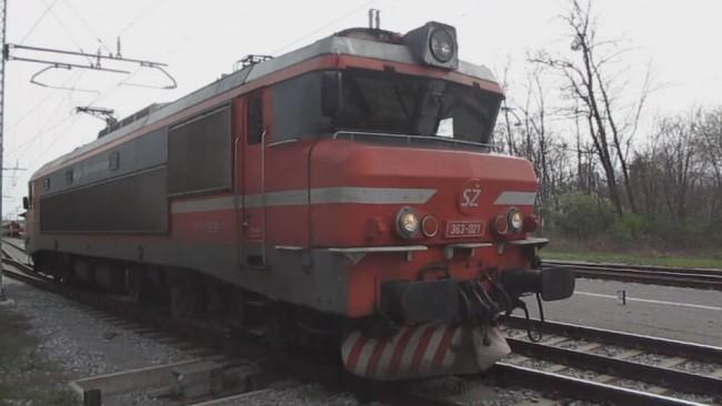 Elektro lokomotiva zapeljala mimo Ptuja