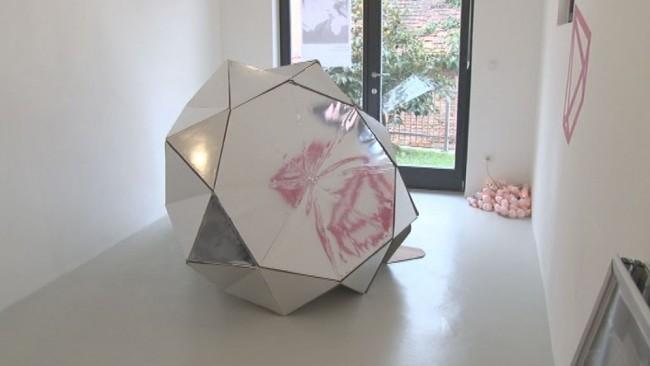 Lada Cerar razstavlja v galeriji Gema na Ptuju