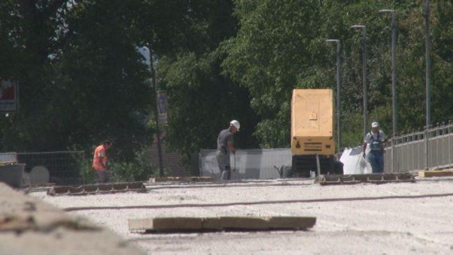 Opozorilni shod za hitrejšo obnovo starega mostu na Ptuju