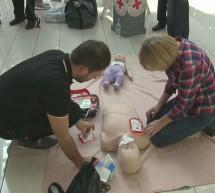 Qlandia bogatejša za defibrilator