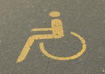 Redarji nadzirali parkirna mesta za invalide