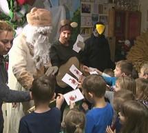 Otroke obiskal dedek Mraz