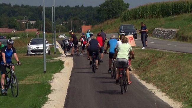 Na Grajeni so slavnostno odprli novo stezo za hojo in kolesarjenje