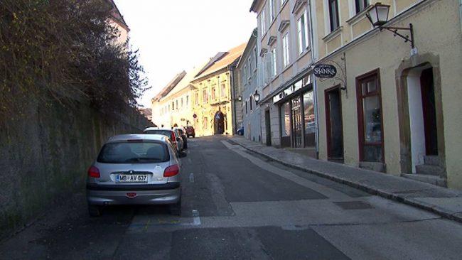 Slomškova ulica ostaja še odprta