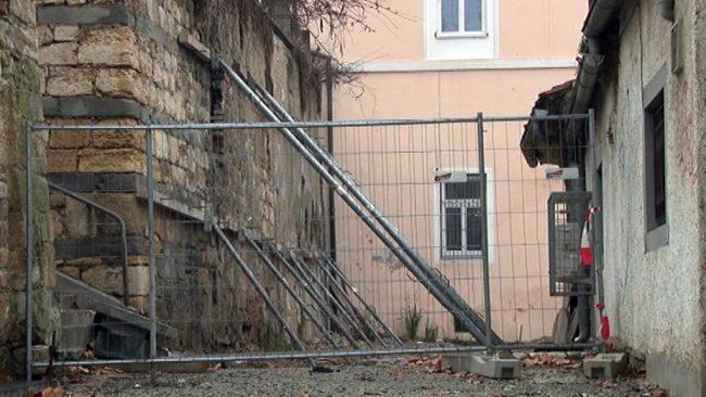 Sanacija zidu ob Miklošičevi ulic