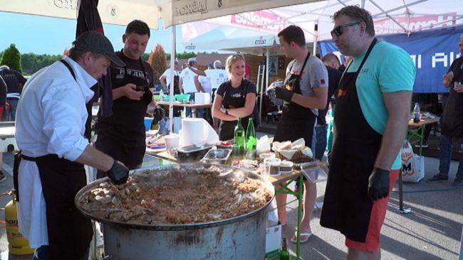 Tekmovanje v peki ciganskih pečenk
