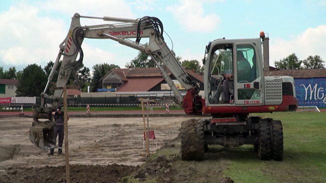 Prenova glavnega nogometnega igrišča