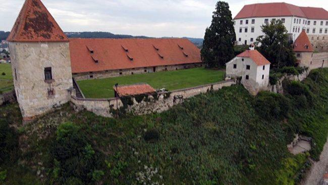 Podor obzidja na grajskem obzidju