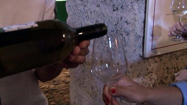 Vinska pokušina v grajski vinski kleti