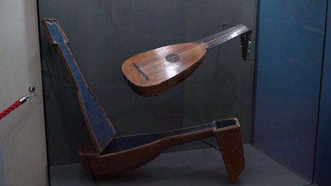 Obnovljena zbirka glasbil
