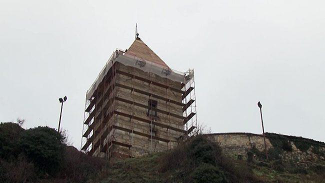 Zamenjava strešne kritine na zahodnem stolpu Ptujskega gradu