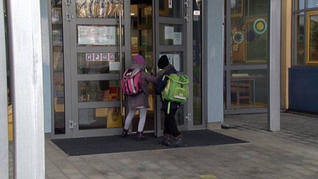 Vrnitev otrok v šole