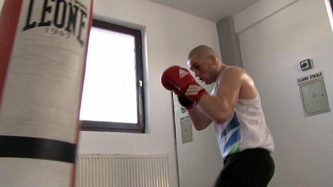 Boksar Denis Lazar intenzivno trenira