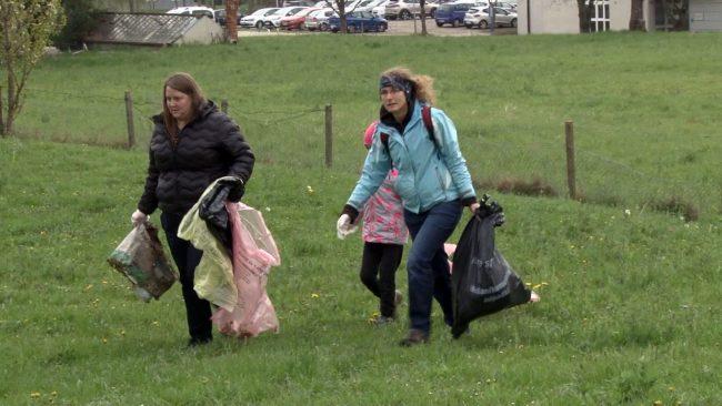 Velike količine zbranih odpadkov na čistilni akciji