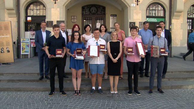Naj dijaki Mestne občine Ptuj šolskega leta 2020/2021