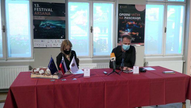 Novinarska konferenca pred 13. glasbenim festivalom Arsana