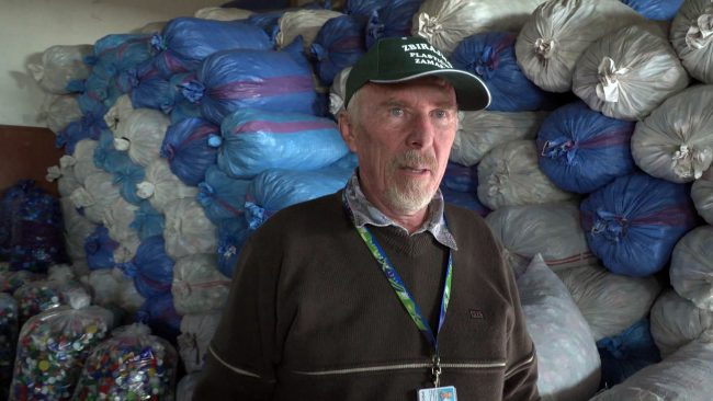 Ignac Habjanič že deset let v dobrodelne namene zbira zamaške