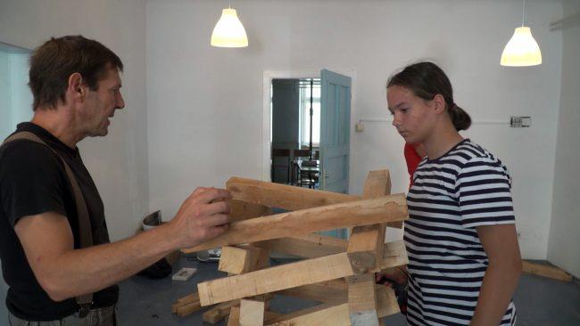 Kiparska delavnica z lesom