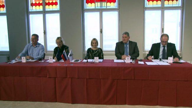 Podpis pogodbe za gradnjo regionalnih kolesarskih povezav v Spodnjem Podravju
